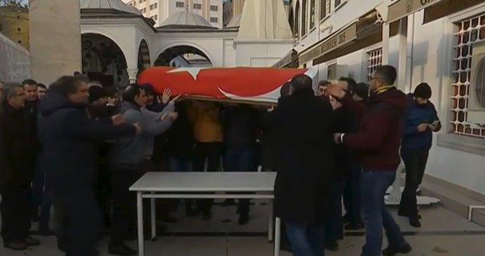 Na turecké univerzitě v Eskişehir se střílelo. Útočník zabil 4 lidi. 478d1b76e2