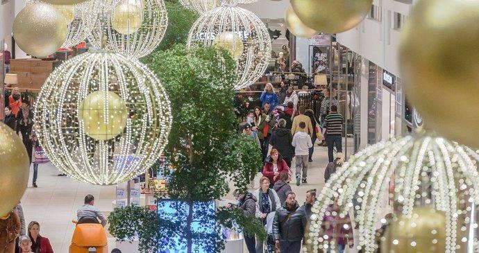 Obchody na Štědrý den uzavřou nejpozději ve 12 hodin (ilustrační foto) d0b82db9bd8