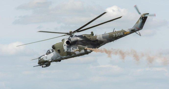 45d166d70 V Náměšti se zřítil bitevní vrtulník, roztrhl se mu motor | Blesk.cz