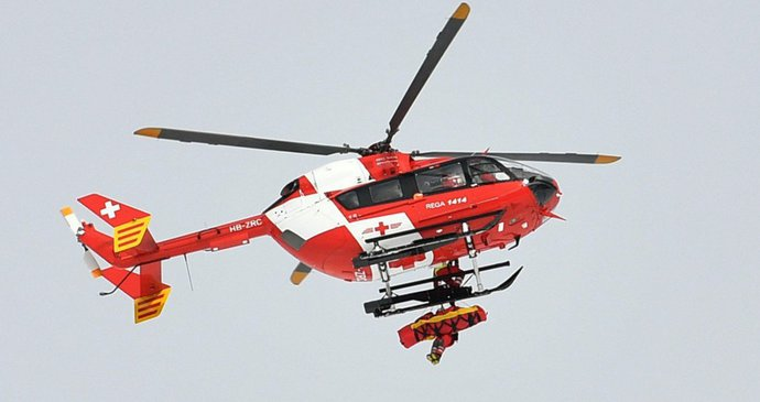 Odolný český turista vyrazil do Alp v kraťasech a teniskách: Po dvou nocích na skalní stěně ho zachránil vrtulník