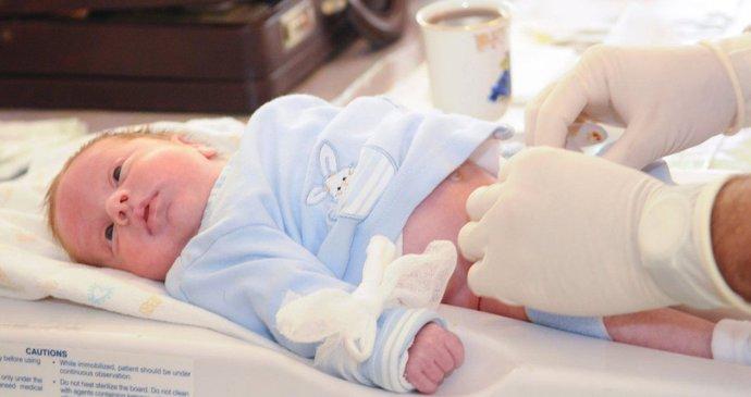 Jakubovi nedávali šanci na přežití: V bdělém kómatu však zachránil miminko!