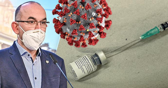 Přerušte očkování, vyzývají u Blatného. Ministr i Babiš to popírají. Senioři přichází o termíny