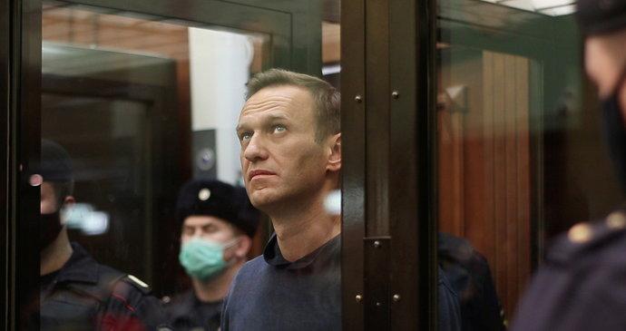 Nemocný Navalnyj zahájil za mřížemi hladovku. Chce se domoci lékařské péče