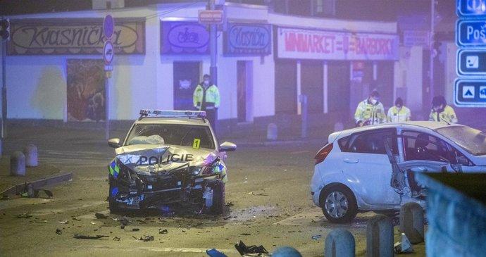 Nehoda v Dolních Počernicích si vyžádala tři zraněné: Způsobil ji řidič (26), který ani nemá řidičák