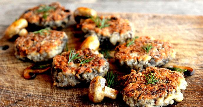 Houbové karbanátky s mletým masem: Dobrota k obědu, večeři nebo na výlet
