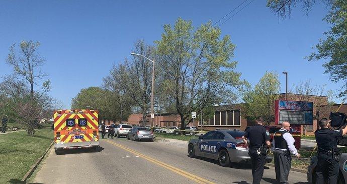 Další krvavý incident na americké střední: Policie ohlásila střelbu a několik zasažených!