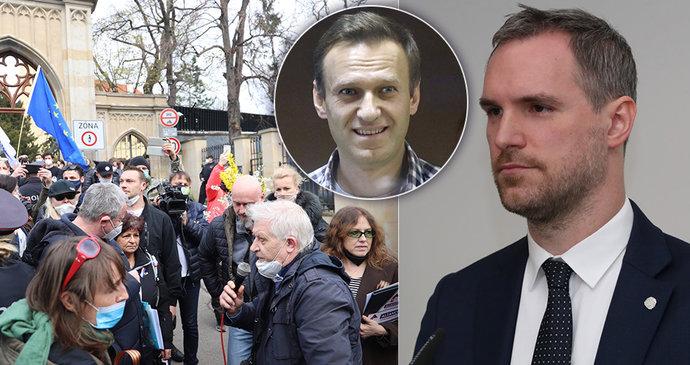 Další demonstrace kvůli Rusku, tentokrát za svobodu Navalného: Do ulic vyrazil i primátor Hřib