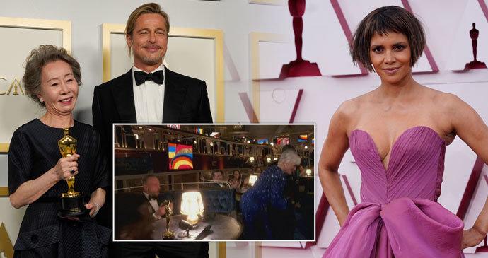 Top momenty »zkrouhlých« Oscarů 2021: Flirt Korejky s Pittem, strie Halle Berryové a zadek »Cruelly« Closeové!