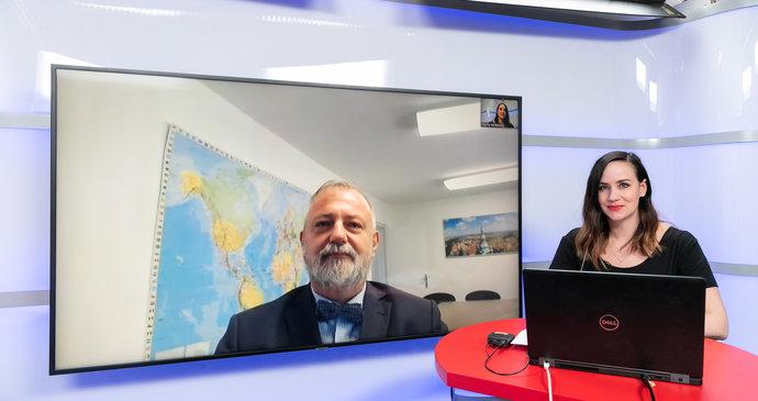 Vysíláme: Velvyslanec Kmoníček o eskalaci vztahů s Ruskem. A co říká na Zemanův proslov?