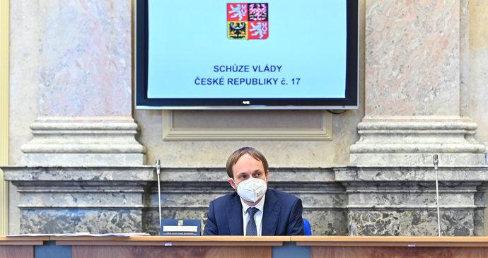 Česko chce pro očkované volné cestování do okolních zemí. Ještě před covidpasem
