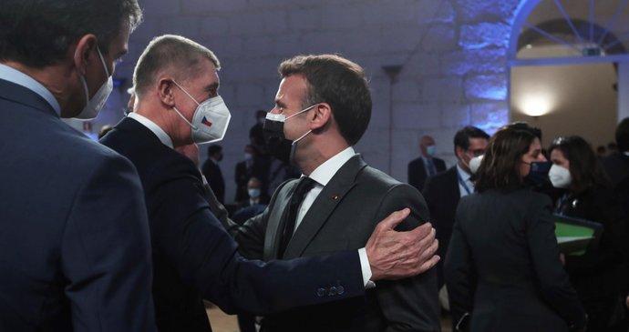 """Babiš povečeřel s lídry EU v Portugalsku. Plán na zlevnění vakcín """"nešmakuje"""" všem"""