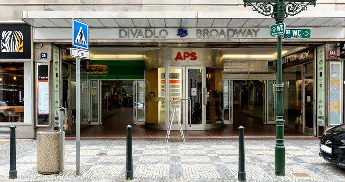 Palác Broadway v srdci Prahy jde do dražby. Za rekordní cenu, stát chce nejméně miliardu