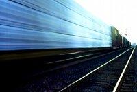 Smrt na kolejích: Ve Vysočanech ženu srazil vlak