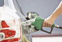 Benzin a nafta mírně zlevnily. Nejlevněji natankujete na jihu Čech