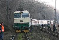 U Strančic jely dva vlaky proti sobě: Stačilo málo a mohly být desítky mrtvých!