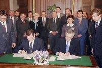 Před 25 lety se rozhodlo o rozdělení Československa. Bylo správné?
