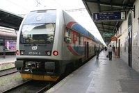 Cestující ve vlaku dal pěstí průvodčímu: Ten skončil v nemocnici