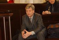 Šéf vytunelovaného H-Systemu Smetka zůstává ve vězení. Soud mu zatrhl propuštění