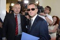 """Janouškovi se zpátky """"do tepláků"""" nechce. Podal stížnost proti zamítnutí jeho žádosti"""
