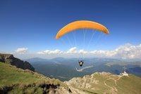 Čech (33) se vážně zranil v Rakousku: Paraglidistovi se zavřel kluzák