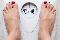 Chcete zhubnout? Pořádně si zatopte nebo jděte na procházku do mrazu, radí expertka