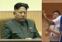 Narozeninová party v KLDR: Poslechněte si, jak Rodman zpíval Kimovi!