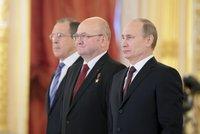 Remek odešel do důchodu. Bývalý kosmonaut skončil na ambasádě v Moskvě