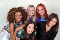 Sex mezi členkami Spice Girls! Mel B přiznala románek s Geri! Krásná prsa, culila se