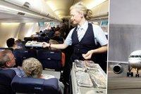 Letadlo nouzově přistálo poté, co se celá posádka zřejmě přiotrávila!
