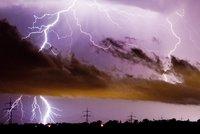 Do Česka se ženou silné bouřky: Déšť a blesky potrvají i další dny