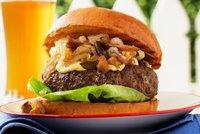 Hamburgery jsou zdravé, oříšky stačí tolik nesolit, tvrdí vědci z českého IKEMU
