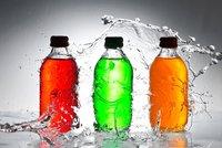 Energy drinky mohou zabíjet: České děti je pijí s alkoholem!