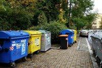 Češi rekordně třídí odpad. Nově chce stát trestat ty, kdo to sabotují