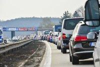 Hromadná nehoda na dálnici D10 za Prahou: Událost zkomplikovala dopravu