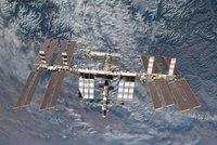 Rus, Američanka a Francouz dorazili na vesmírnou stanici. Budou tu půl roku
