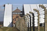 Za slova o podílu Poláků na holokaustu vězení nebude. Sejm zmírnil zákon