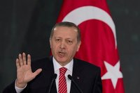 Turecký soud uložil prezidentovi pokutu za zesměšnění sochy