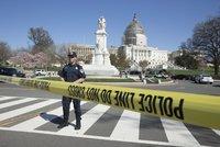 V sídle amerického Kongresu se ozvala střelba. Návštěvník začal pálit