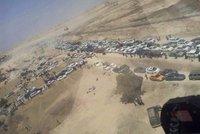 Desetitisíce civilistů prchají před hrdlořezy z ISIS: Armáda marně čeká na posily