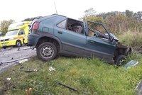 Řidič ve felicii vjel do chodců. Jeden zemřel, dva jsou zranění