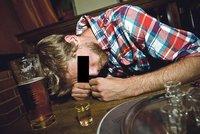 Opilec chtěl zadarmo domů, volal na tísňovou linku: Za zneužití může zaplatit až 200 tisíc
