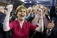 Královna Skotů vzkázala Cameronovi: Nic už nebude jako dřív