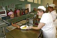 Rousínov musí platit obří odškodné invalidovi, za 87 milionů ale opravuje školní jídelnu