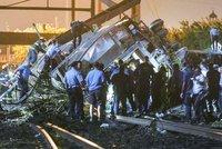Vlak vykolejil ze zatáčky: 6mrtvých, 140zraněných. Bylo to strašné, popisují svědci
