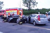 Deset aut se srazilo na dálnici D8, jako zázrakem nikdo nezahynul