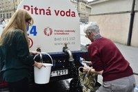 Východ Prahy bez pitné vody: 17 tisíc lidí se koncem srpna nevyhne procházce s kýblem