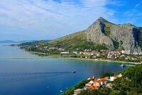 Češka se utopila v Dalmácii, tři Češi zraněni při nehodě autobusu