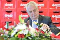 Zemana v jižních Čechách vypískali a vytroubili, tak zašel na pivo přímo do pivovaru