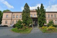 Koronavirus v Psychiatrické léčebně v Dobřanech: Nemocnice je zavřená, nepřijímá pacienty