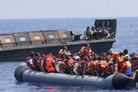 """""""Musíme střílet."""" Dánský poslanec překvapil návrhem, jak zatočit s migranty"""